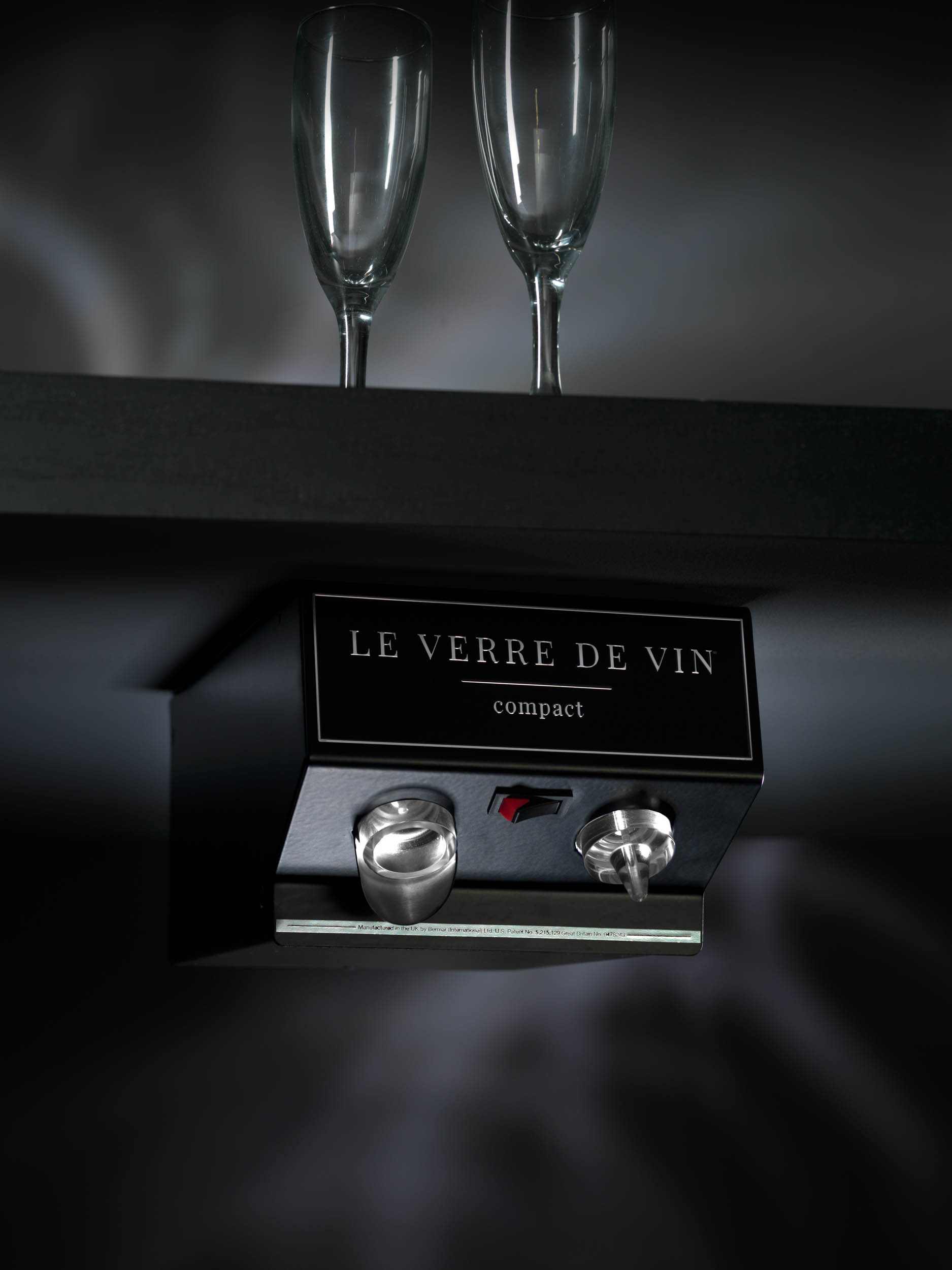 serve wine by the glass with le verre de vin bermar. Black Bedroom Furniture Sets. Home Design Ideas